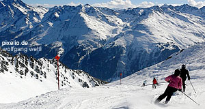'The Arlberg area between Tyrol and Vorarlberg: Great skiing & hiking' from the web at 'http://www.tourmycountry.com/austria/../graphics/arlberg.jpg'