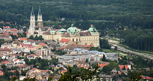Klosterneuburg with the dominant monastery as seen from its neighbour Vienna - the Kahlenberg, to be precise