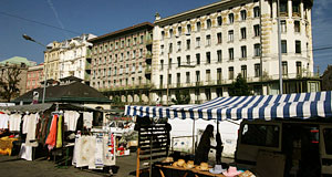 The Naschmarkt is the biggest market in Vienna - here the Otto Wagner houses in the background